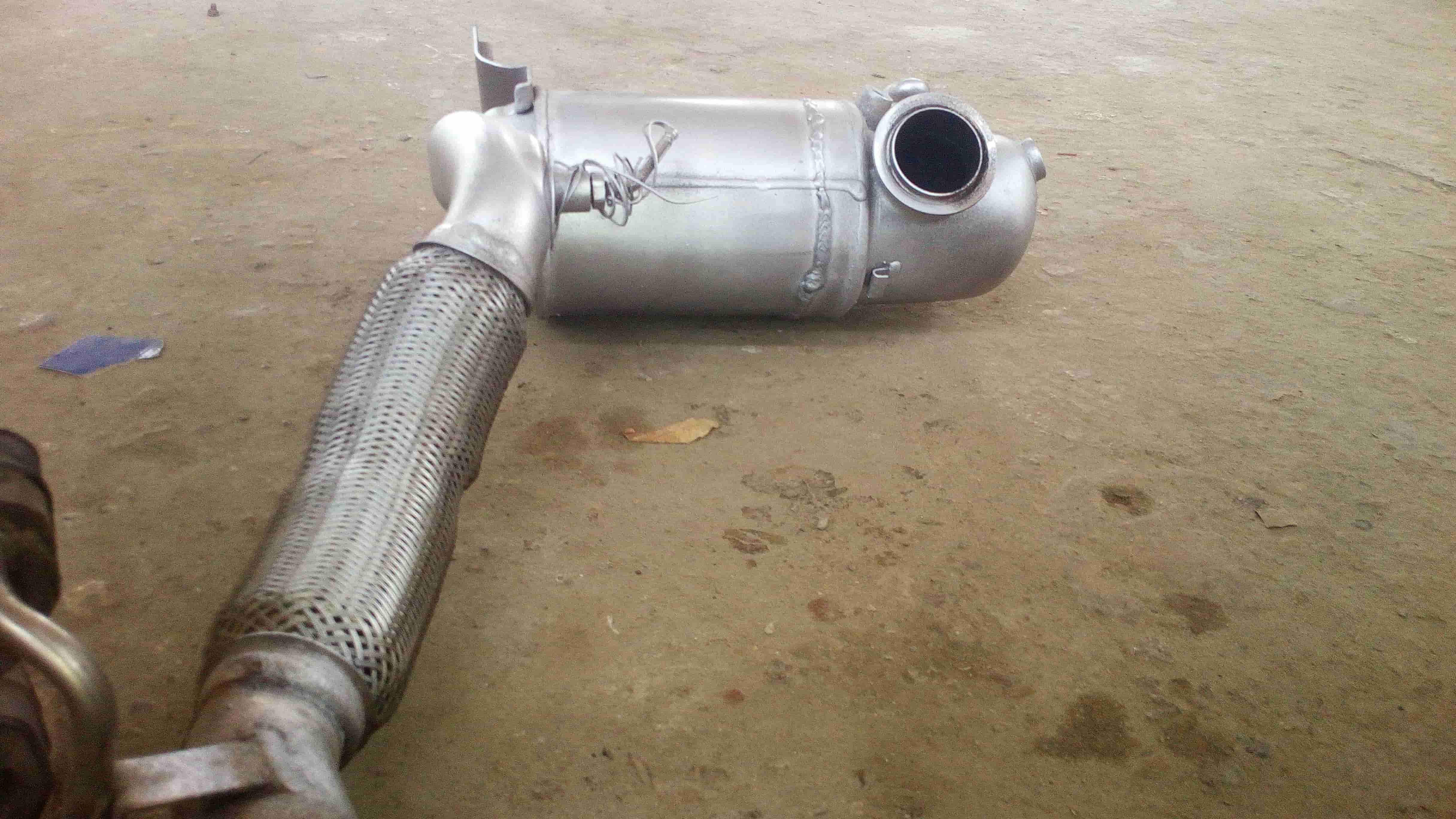Удалённый сажевый фильтр Skoda Fabia 1.6 2011